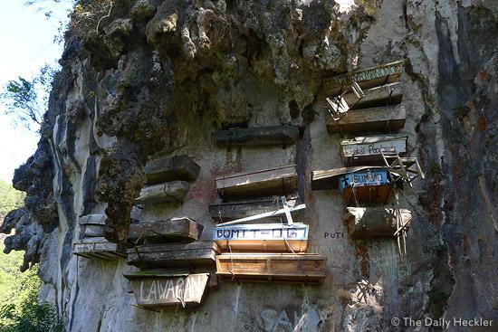 Echo Valley, Hanging Coffins